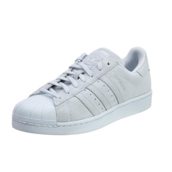 Le adidas superstar, scarpe da ginnastica indossato solo una volta poshmark